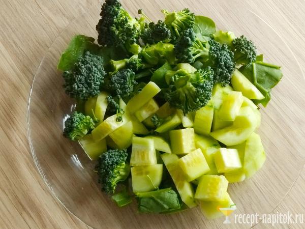 огурец, брокколи и шпинат