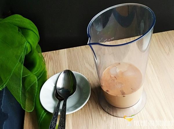 кофейный смузи в блендере