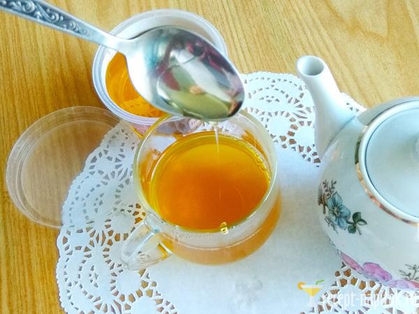 чай из листьев смородины с медом